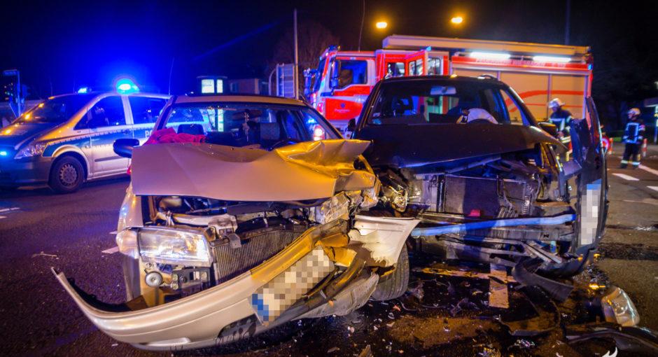 Unfall beim Abbiegen – Drei Verletzte auf der Biebricher Allee