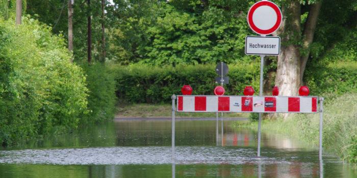 Umweltamt und Feuerwehr beobachten die Hochwasserlage in Wiesbaden