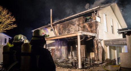 Wohnhaus in Hünstetten-Görsroth in Flammen