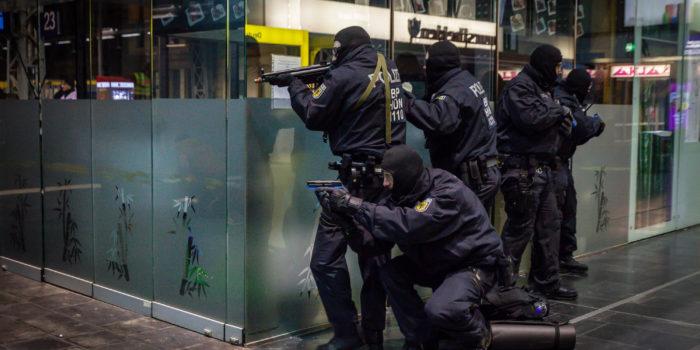 Polizei übt Terror-Szenarien am Frankfurter Hauptbahnhof