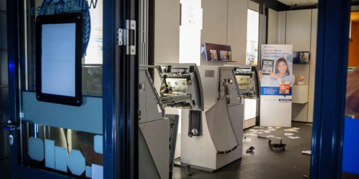 Geldautomat in der Äppelallee gesprengt – Täter flüchten ohne Beute