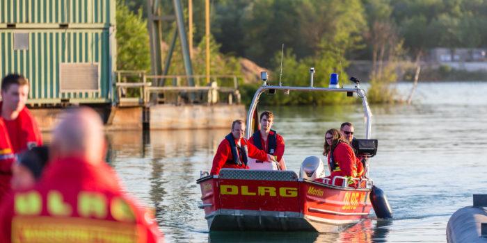 Tödlicher Badeunfall am Raunheimer Waldsee – 23-Jähriger geht nach Sprung ins Wasser unter