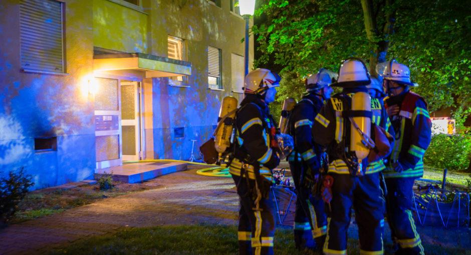 Kellerbrand in Mehrfamilienhaus verläuft glimpflich