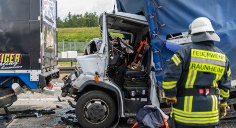 Lkw-Auffahrunfall am Frankfurter Flughafen – Verkehrschaos auf der A3