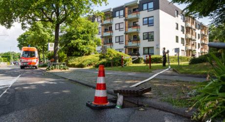 Mehrstündiger Einsatz bei umfangreichem Wasserschaden in Seniorenwohnanlage
