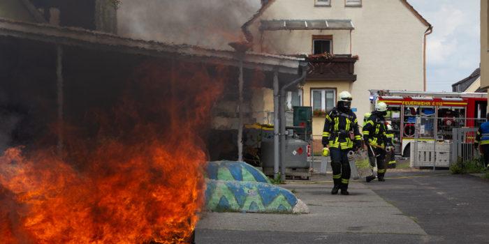 Feuer in Abrissgebäude – Unangekündigte Alarmübung in Winkel