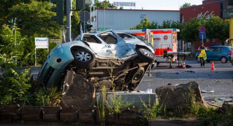 Drei Schwerverletzte bei Unfall auf Kreuzung