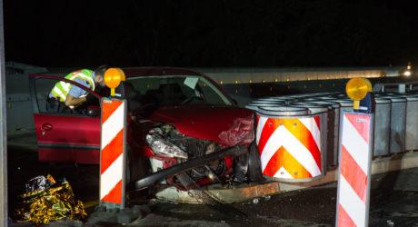 Zu schnell in S-Kurve: Frau bei Unfall auf Schiersteiner Brücke schwer verletzt