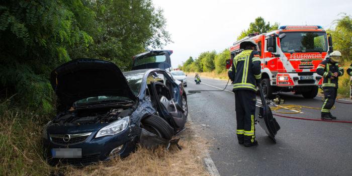 Vier teils schwer Verletzte bei Verkehrsunfall – Rettungshubschrauber bei Breckenheim im Einsatz