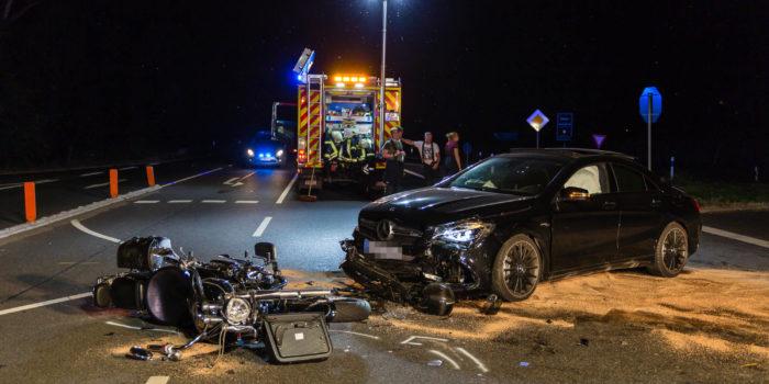 Tödlicher Motorradunfall auf der B42 bei Eltville – Alkoholisierter Pkw-Fahrer missachtet Vorfahrt