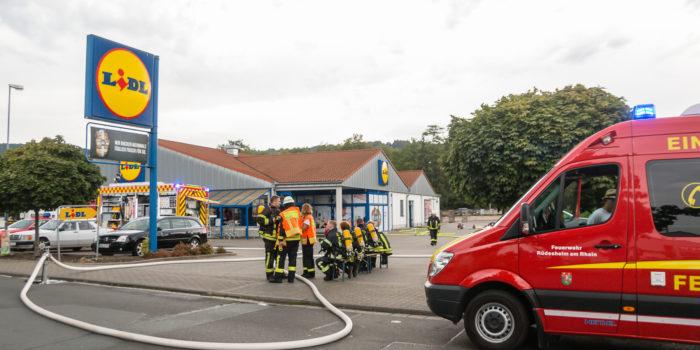 Feuer in Rüdesheimer Supermarkt – Feuerwehr kann Ausbreitung verhindern