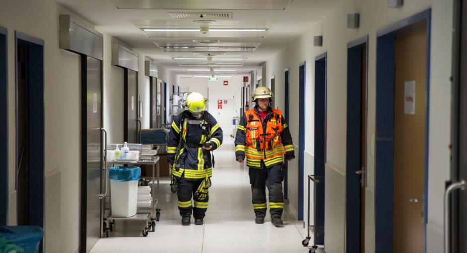Gasgeruch am Krankenhaus Rüdesheim sorgt für Messeinsatz