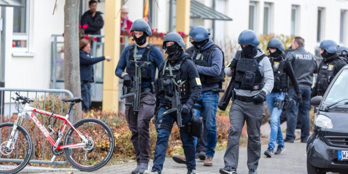 Spezialkräfte nehmen 36-Jährigen in Kastel nach Bedrohung fest