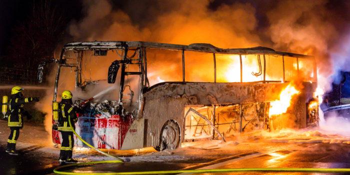 Brand beendet Busreise auf der A3 – Alle Passagiere unverletzt