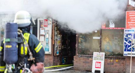 Vier Verletzte bei Kioskbrand im Wiesbadener Westend