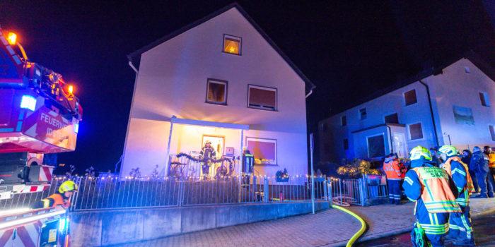 Brennende Couch – Wohnung nach Zimmerbrand unbewohnbar