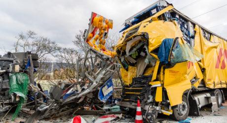 Baustellenabsicherung übersehen – Tödlicher Lkw-Unfall auf der A3