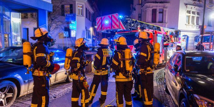 Piepsender Rauchmelder macht auf Kellerbrand aufmerksam