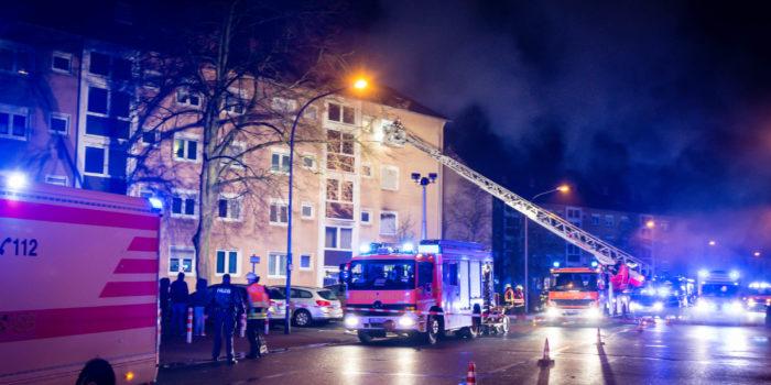 Wohnungsbrand in Rüsselsheim: 9-Jährige lebensgefährlich verletzt – 39-Jähriger springt in den Tod