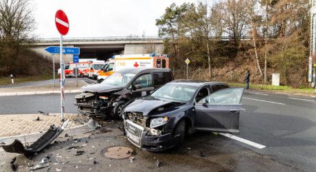 Zehn Verletzte nach Unfall an Autobahnzufahrt in Idstein