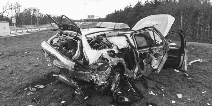 Schwer verletzter Polizeikommissar nach Unfall auf A672 bei Darmstadt verstorben