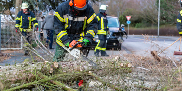 "Sturmtief ""Eberhard"": Feuerwehren im Dauereinsatz"