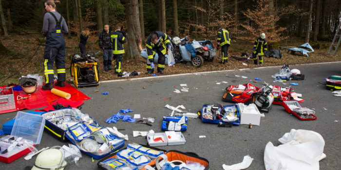 Autofahrer nach Alleinunfall bei Heidenrod massiv eingeklemmt