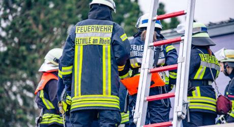 Beginn der Feuerwehrlaufbahn: Grundausbildungslehrgang der Feuerwehren im Rheingau-Taunus-Kreis