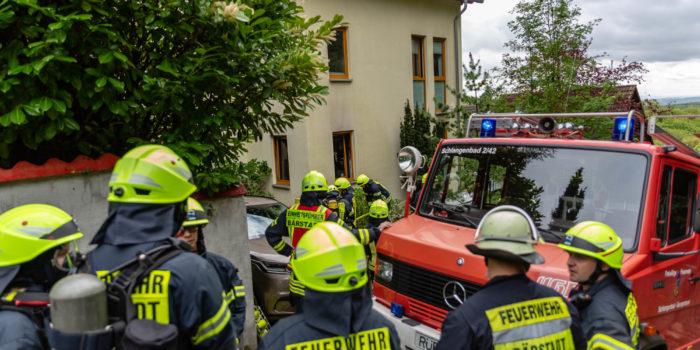 Küchenbrand in Schlangenbad-Georgenborn – Feuerwehr rettet Katze
