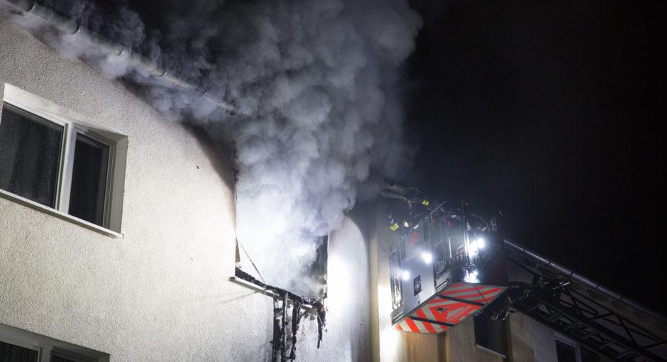 Zwei Schwerverletzte bei Wohnungsbrand in Dotzheim