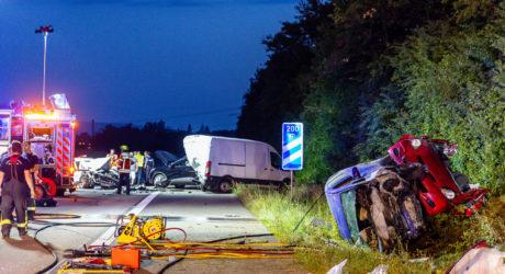 Tödlicher Unfall auf der A671 – Pkw kracht in Ersthelfer