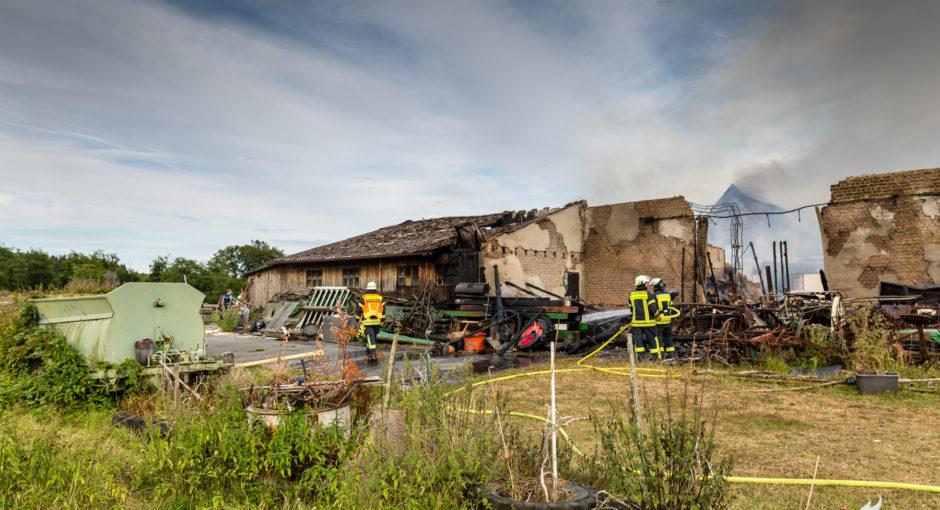 Ponyland in Rüdesheim abgebrannt – Großaufgebot an Rettungskräften